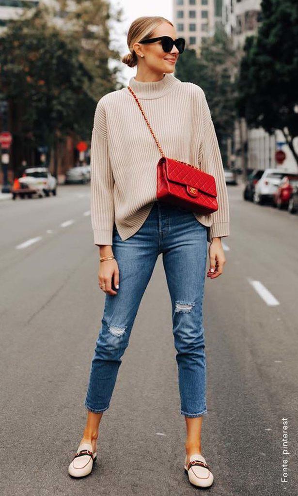 looks com bolsa transversal casual vermelho