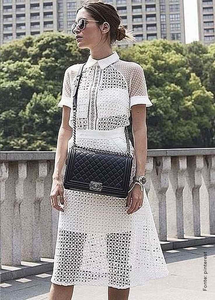 looks com bolsa transversal vestido branco