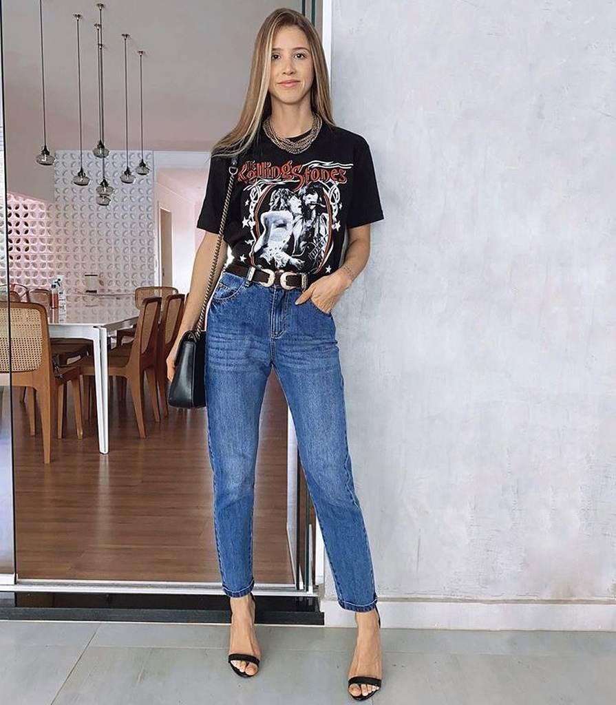 look salto alto calça jeans tshirt