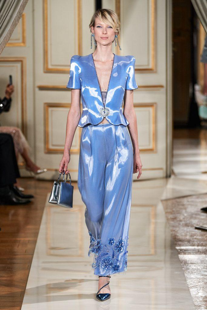 Foto maiores tendencias da semana de moda de alta costura cetim por armani prive