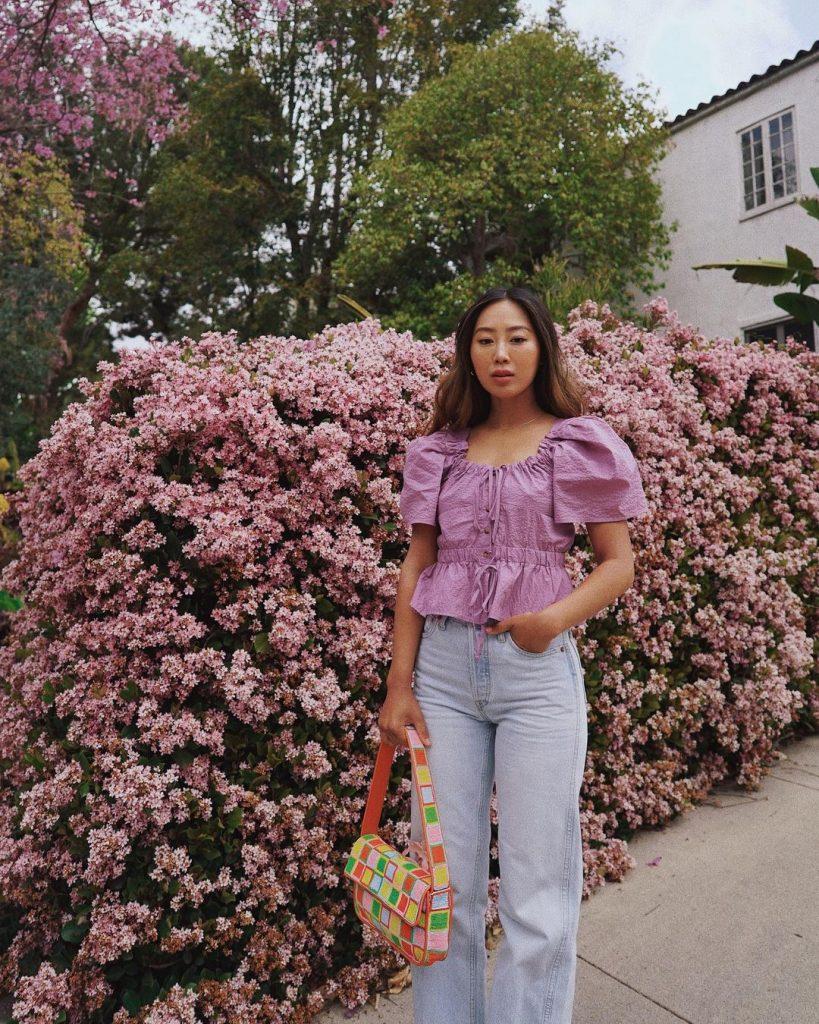 Foto Ideia de Look Aimee Song - jeans +blusa romantica